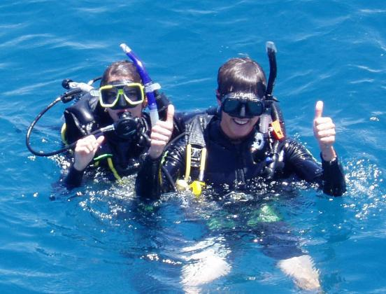Day 1 and Day 2 Outer Reef Introductory Diver (Overnight Bungalow Quad Share on Fitzroy Island)