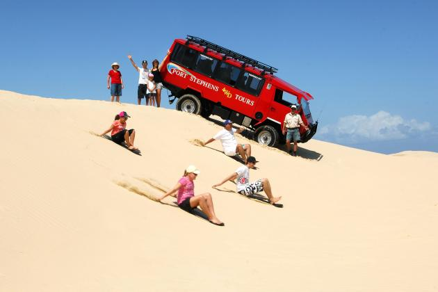 Port Stephens Dolphin Cruise, Wildlife Park & 4WD Combo Day Trip