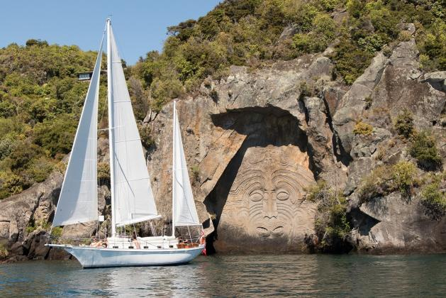 Eco Sail Barbary to the Carvings