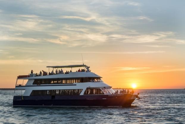 "Darwin Harbour Cruises: ""Charles Darwin"" Sunset Dinner Cruise"