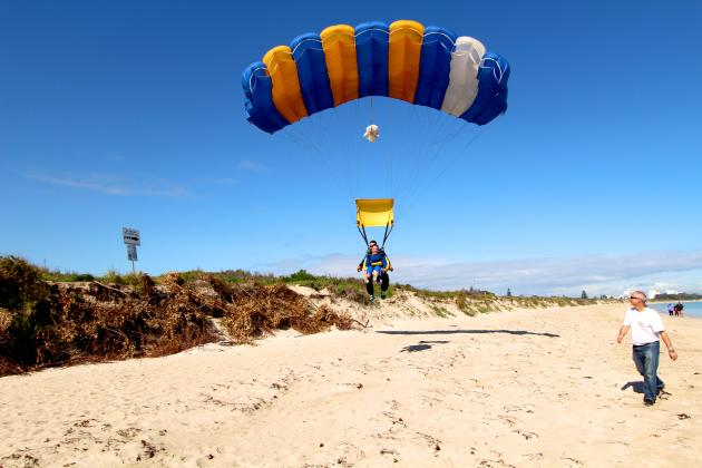 Skydive Perth (Rockingham) - tandem skydive with beach landing