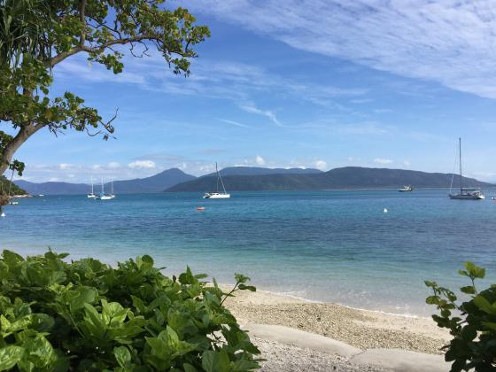 Day 1 and Day 2 Outer Reef Introductory Diver (Overnight Bungalow Twin/Double Share on Fitzroy Island)