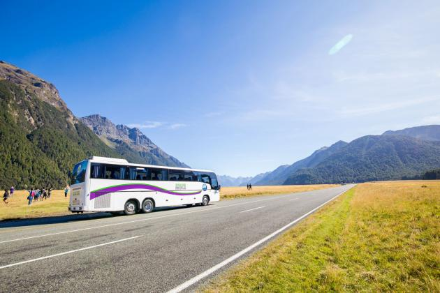JUCY Vista: Milford Sound Coach Cruise Coach ex Queenstown