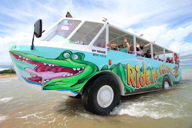 Airlie Beach by Land and Sea - 1hr Aquaduck tour