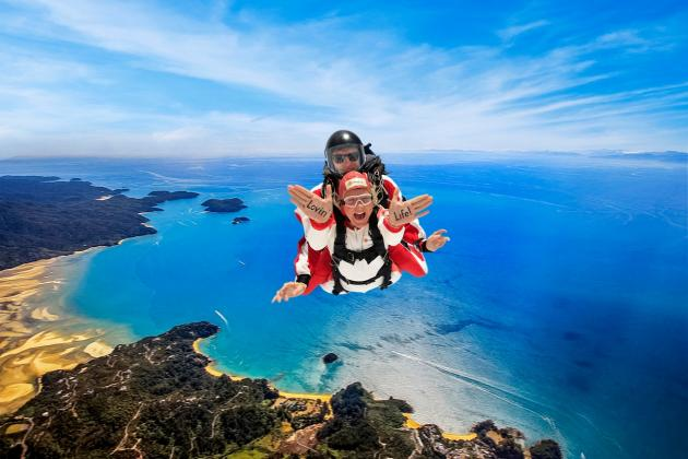 Skydive Abel Tasman - Tandem Skydive over the Top of the South Island