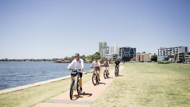 Beautiful Matilda Bay and Kings Park Bike Loop