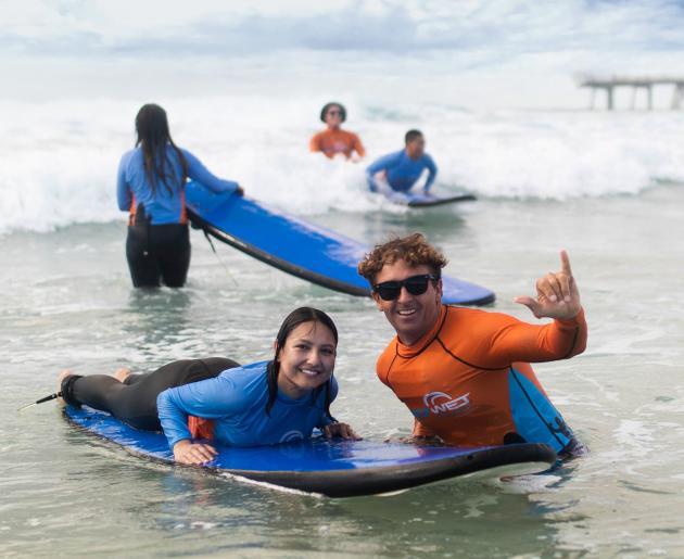 Surfing Lesson & Gold Coast Tour
